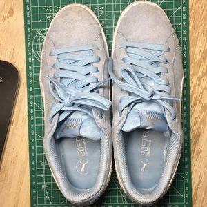 Puma Vikky blue sneaker size 6